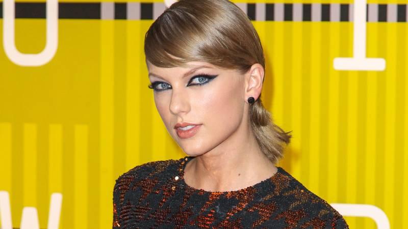 Press Line Photos / Shutterstock.com